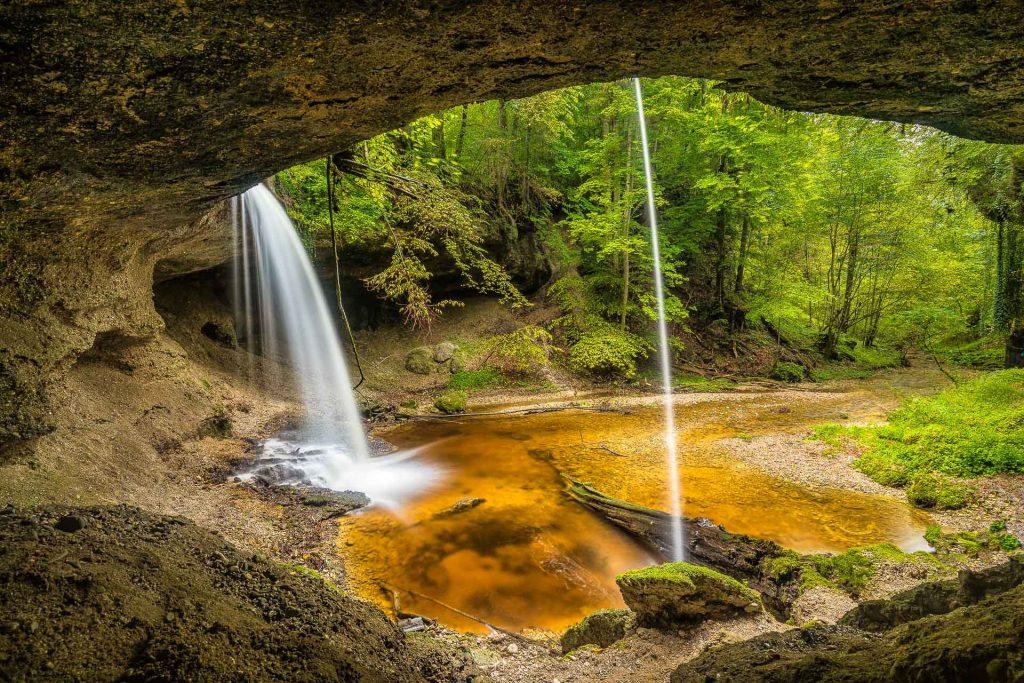 Wasserfall bei Andechs im Wald